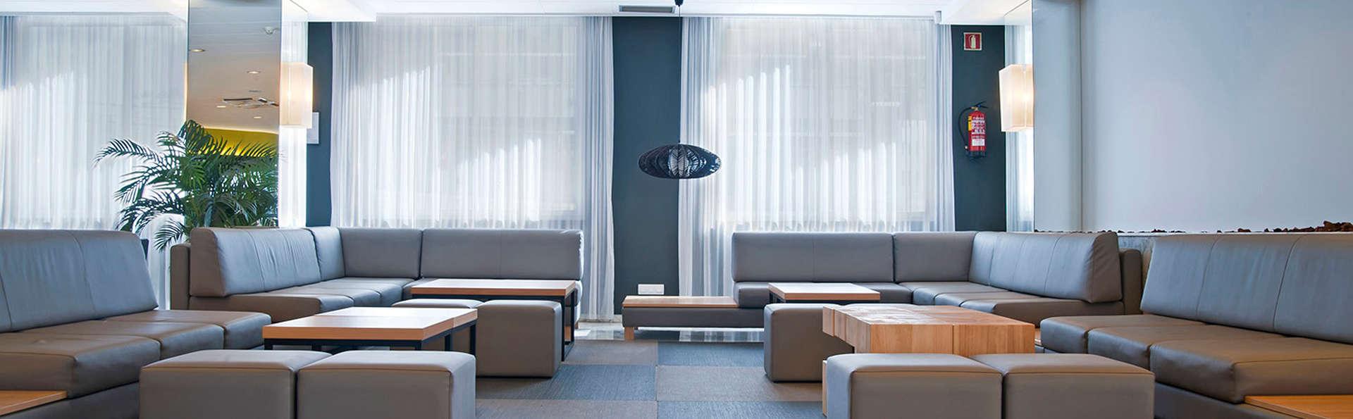 Hotel Bernat II - EDIT_lobby1.jpg