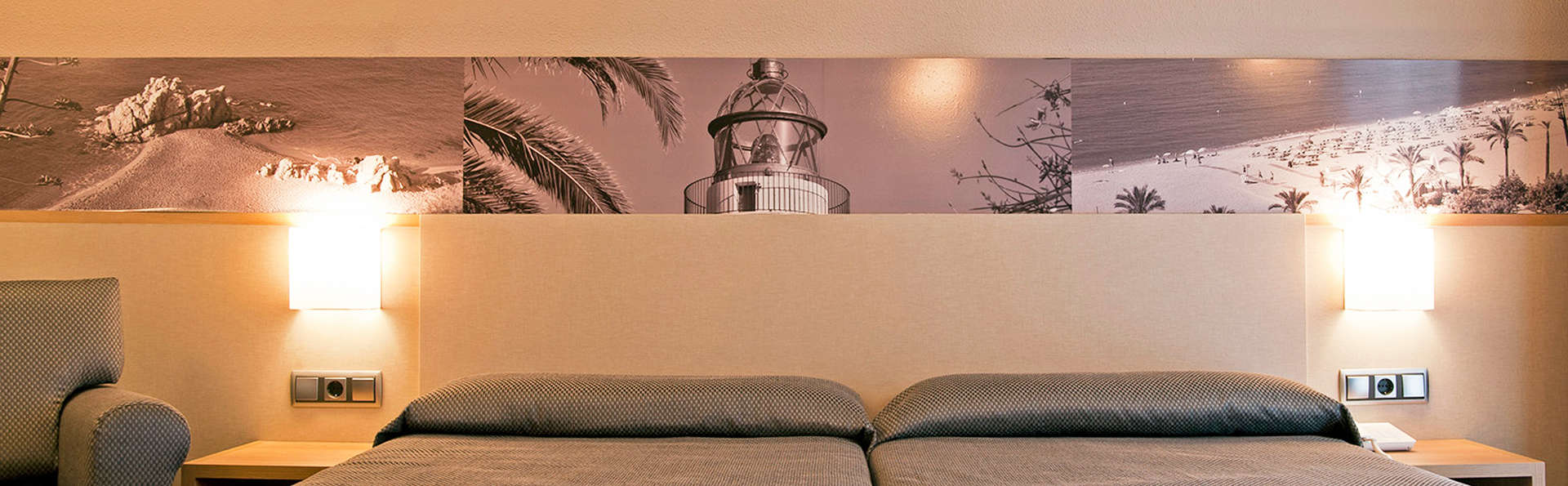 Hotel Bernat II - EDIT_room3.jpg