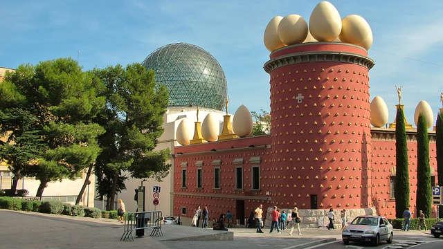 Escapada en Figueres con entrada al Museo Dalí
