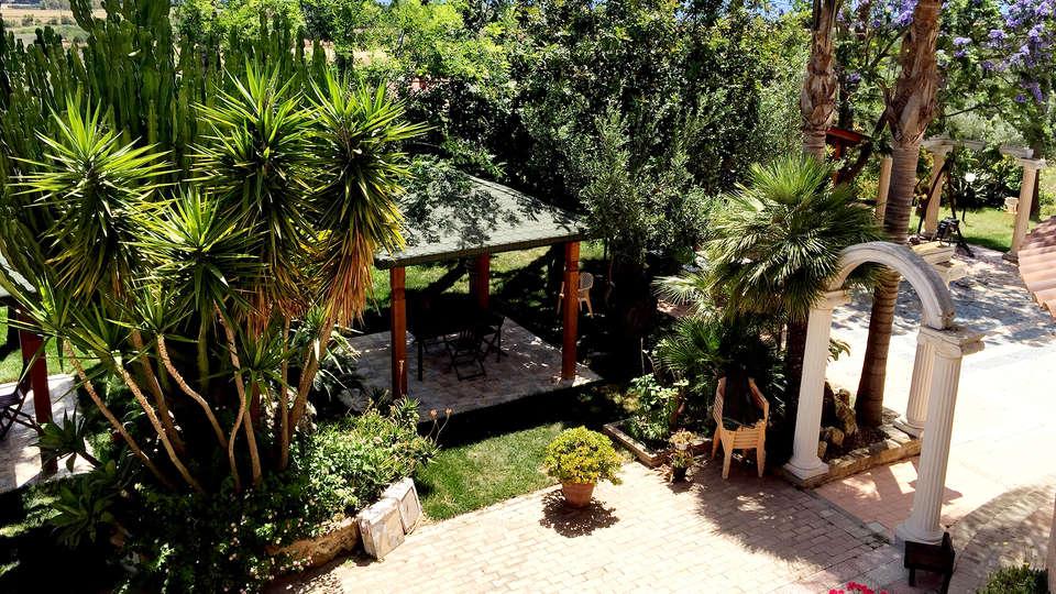 Hotel Ristorante L'Orizzonte - Edit_Terrace2.jpg