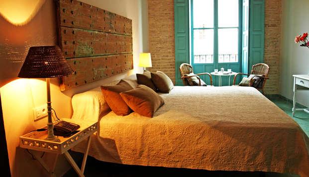 Escapada con encanto y habitación superior en Sevilla