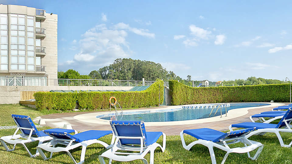 Hotel Brisa da Lanzada - EDIT_pool5.jpg