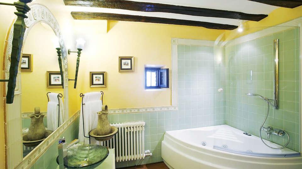 Hotel Boutique Real Casona de las Amas - EDIT_bath1.jpg