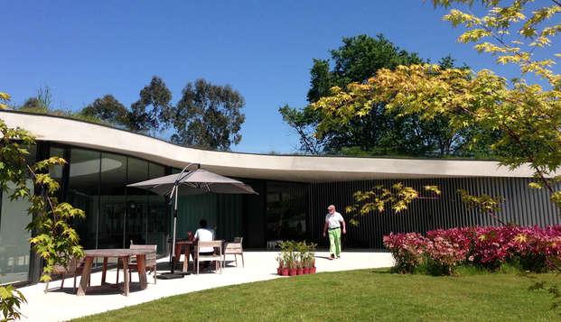 Escapada en un hotel de diseño con acceso directo a los jardines cerca de Llanes