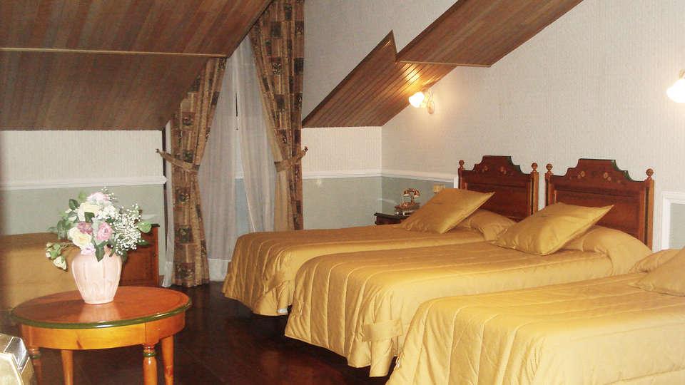 Hotel Camino de Santiago - EDIT_room1.jpg