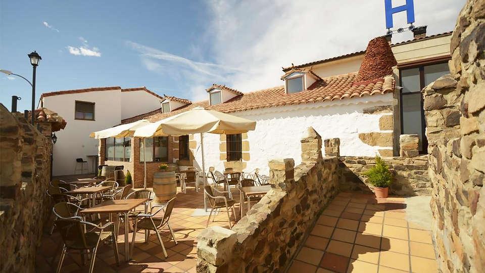 Hotel Campos de Castilla - EDIT_terrace2.jpg