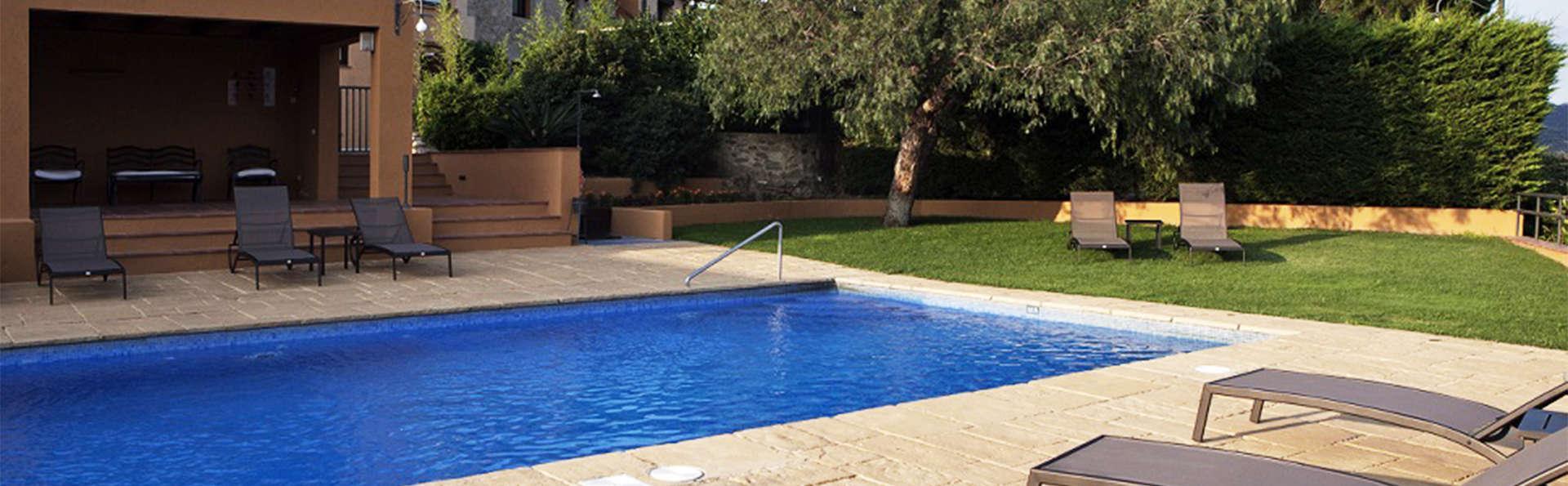 Hotel Can Xiquet - EDIT_pool2.jpg