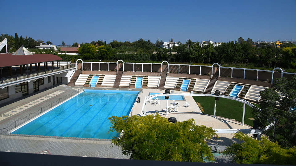 D'Aragona Grand Hotel  - edit_new_pool633.jpg