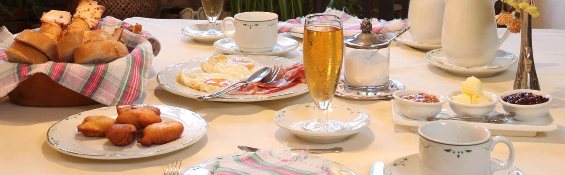 Hotel Casona D'Alevia - EDIT_breakfast.jpg