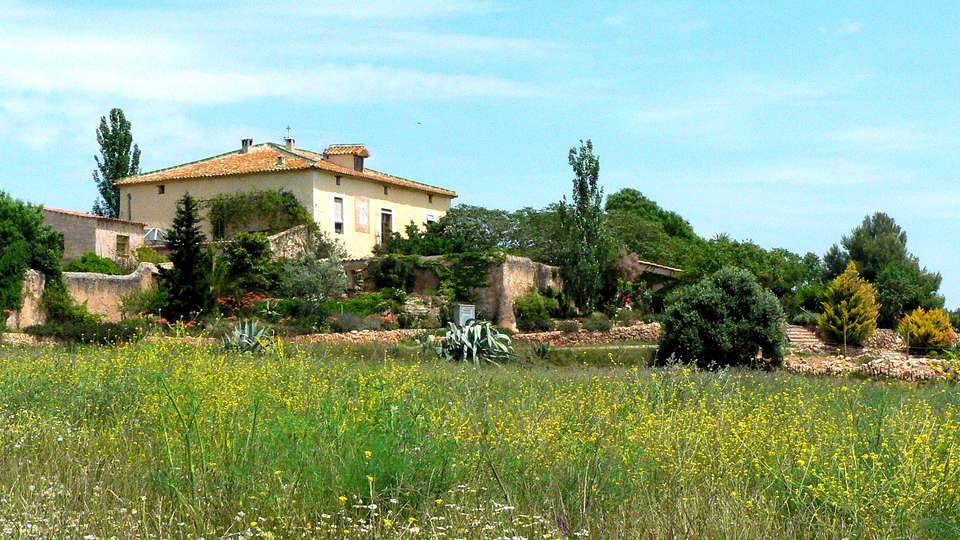 Hotel Castell de Gimenelles - Edit_View2.jpg