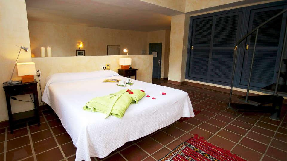Hotel Cerro de Hijar - EDIT_room4.jpg