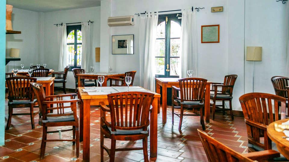 Hotel Cerro de Hijar - EDIT_rest1.jpg