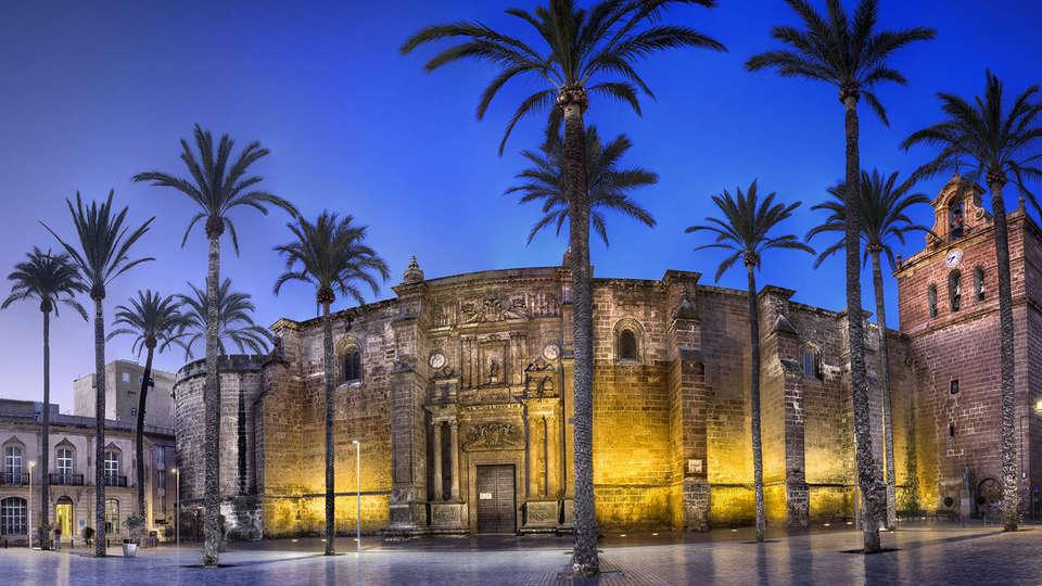Hotel Catedral Almería - EDIT_destination1.jpg