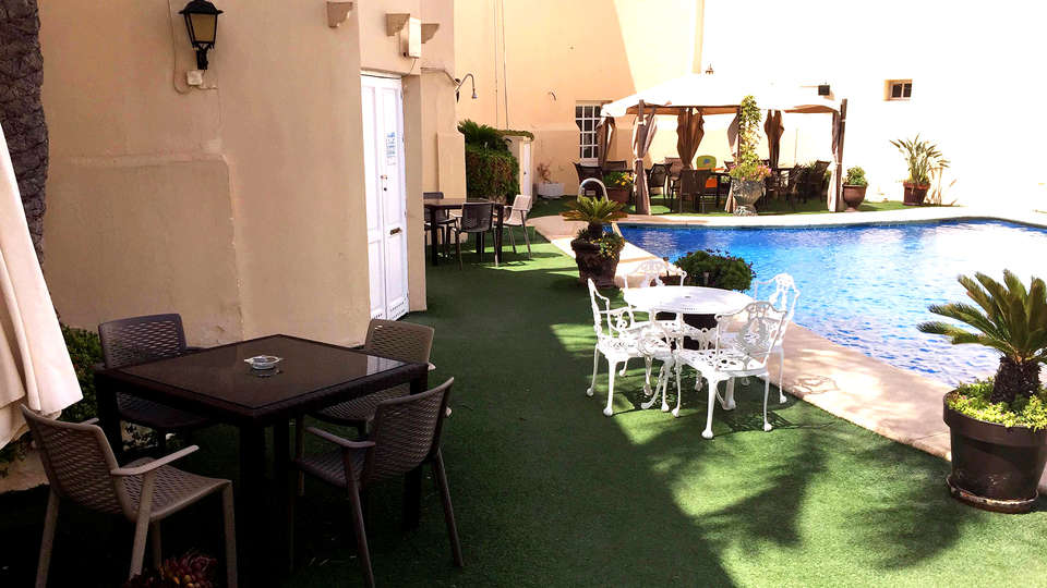 Hotel El Dorado - Edit_Pool2.jpg
