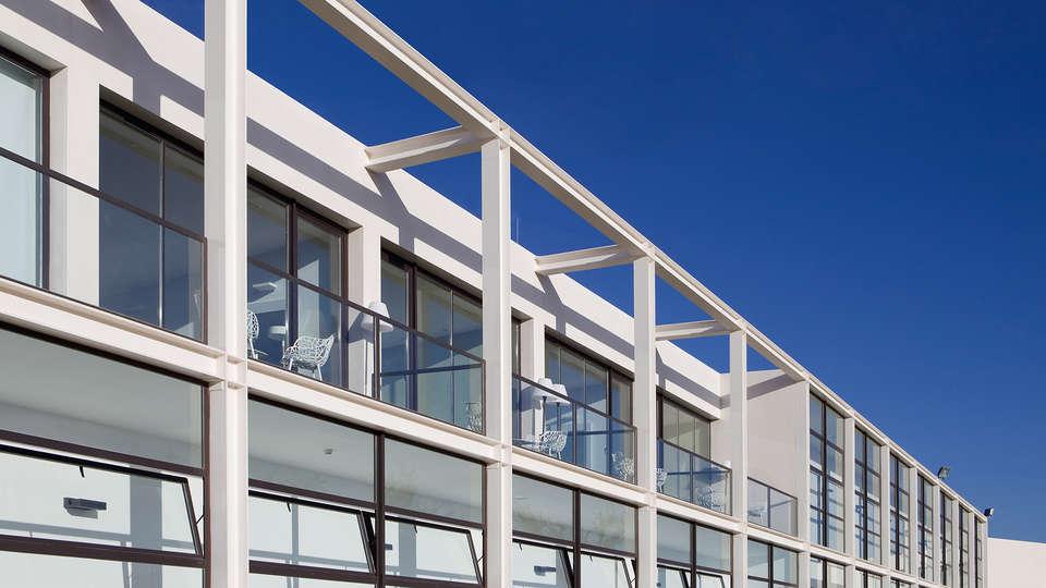 Hotel Bodega Finca de los Arandinos - EDIT_exterior.jpg