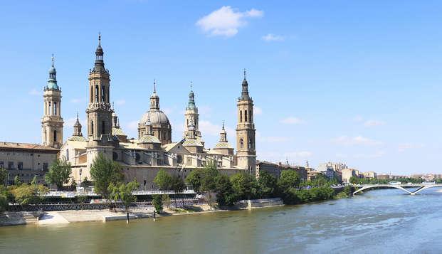 Escapada romántica con cava y bombones en el corazón de Zaragoza