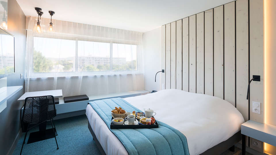Operalia Hôtel Les Pins  - EDIT_NEW_room1.jpg