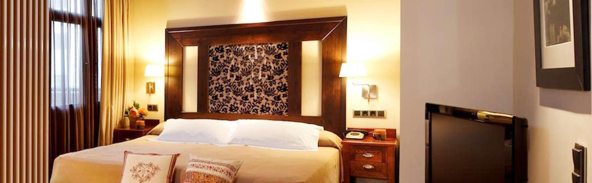 Hotel Ciria - EDIT_room8.jpg