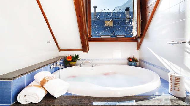 Relax en privado: Escapada en suite con bañera de hidromasaje en Benasque