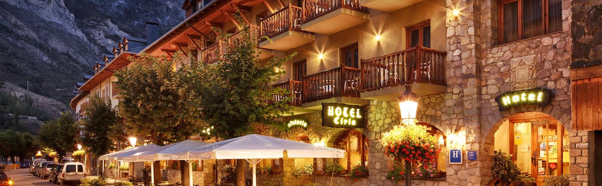 Hotel Ciria - EDIT_front1.jpg