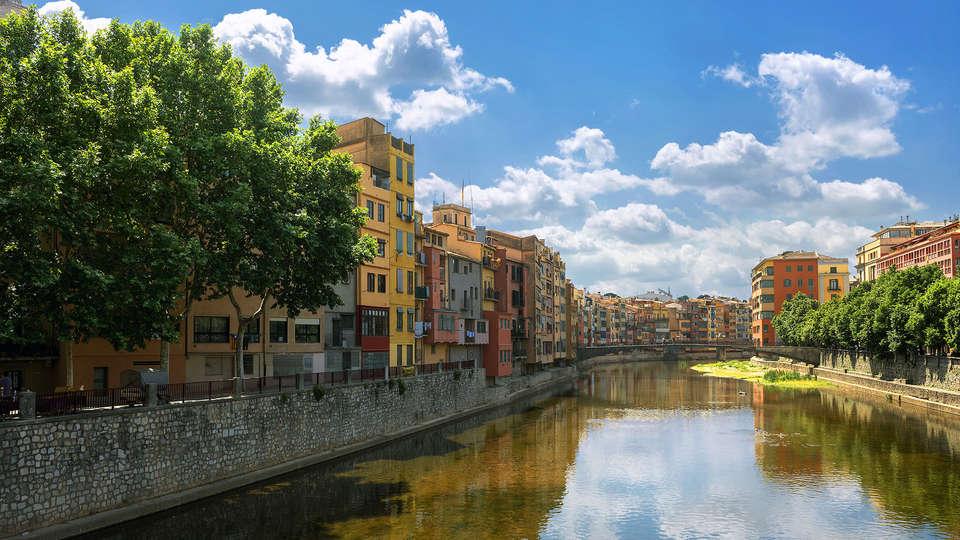 Hotel Ciutat de Girona - EDIT_girona2.jpg