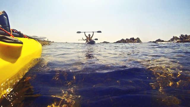 Pensión completa y ruta en kayak en la bahía Gibraltar (desde 2 noches)