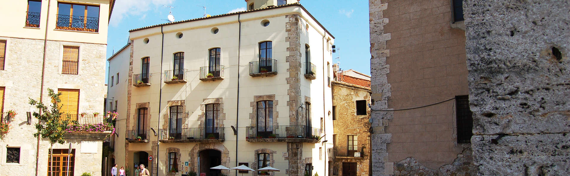 Hotel Comte Tallaferro - EDIT_besalu3.jpg