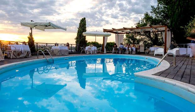 Weekend in Abruzzo: 2 notti in un elegante castello medievale con piscina