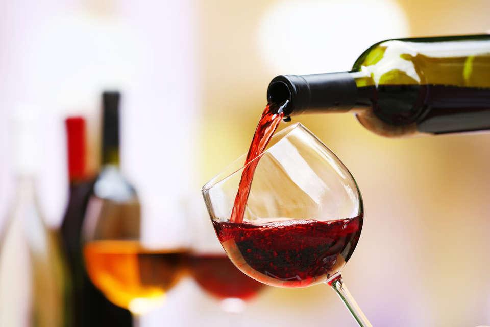 Charmehotel Villa Saporis - wine.jpg