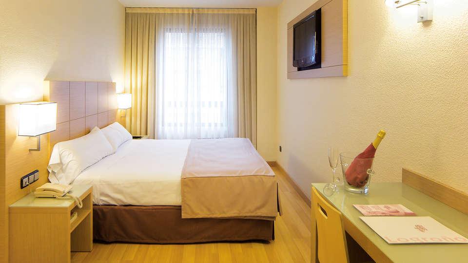 Hotel Condes de Haro - EDIT_room.jpg