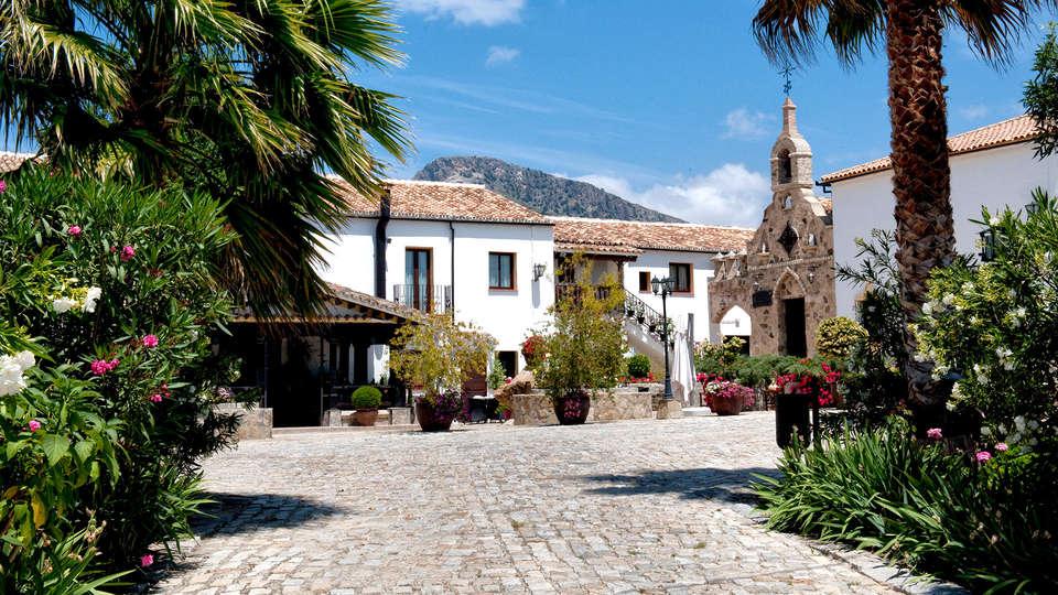 Hotel Cortijo Salinas - Edit_Front2.jpg