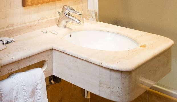 Hotel Dauro - Bathroom
