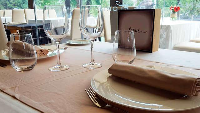 Escapada Romántica con cena , botella de cava y detalle de bienvenida en la habitación