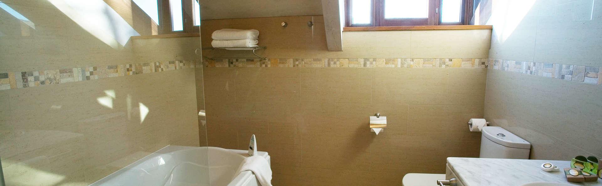Hotel de Floriana - EDIT_bath.jpg
