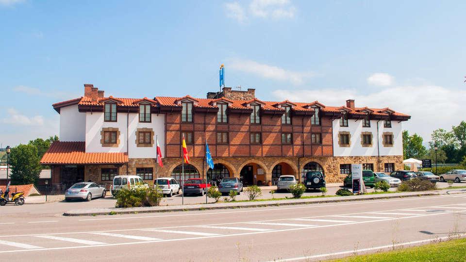 Hotel Cueli - EDIT_front2.jpg