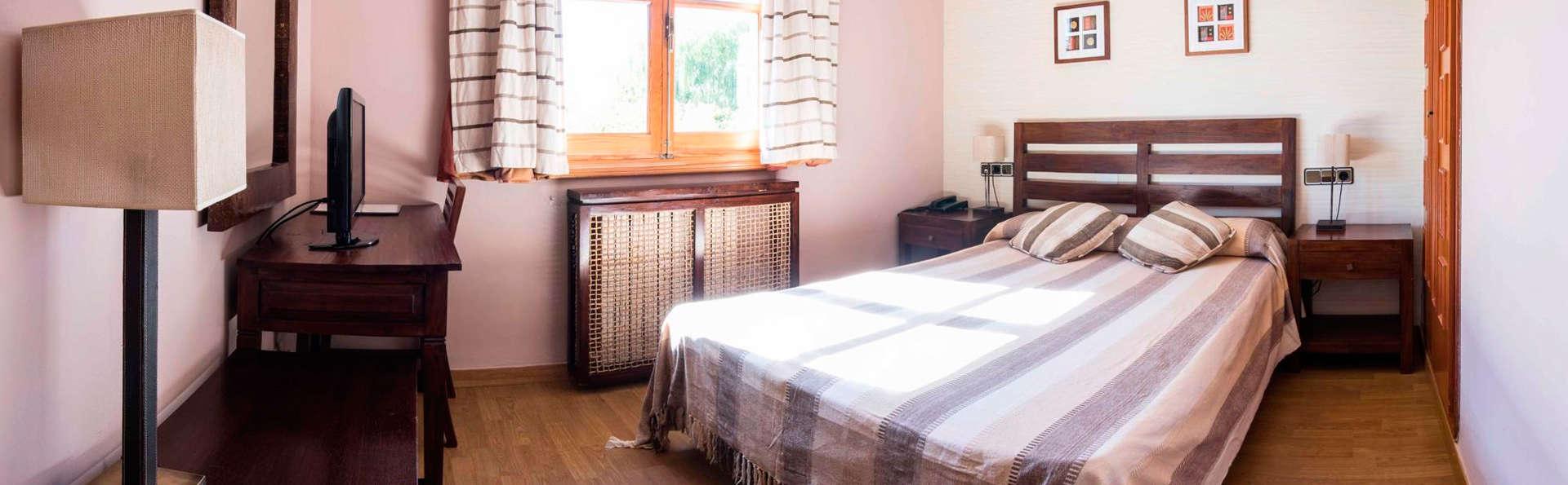 Hotel de Montaña Rubielos - EDIT_room4.jpg