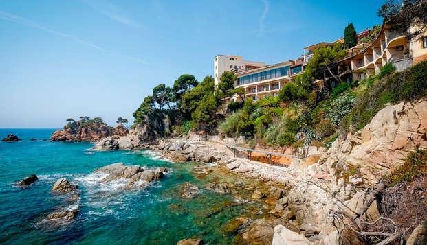 Escapade parfaite: vue sur la mer garantie, spa et dîner au cœur de la Costa Brava