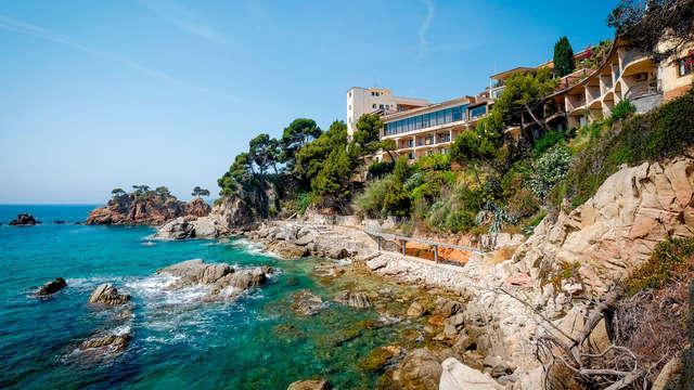 Escapada perfecta: Vistas al mar garantizadas, spa y cena en el corazón de la Costa Brava