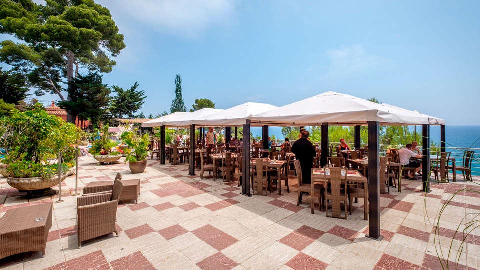 Hotel Cap Roig - edit_new_terrace.jpg