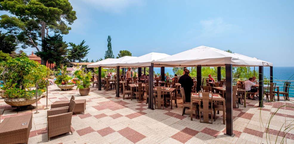 Hotel cap roig 4 platja d 39 aro espagne for Reservation hotel en espagne gratuit