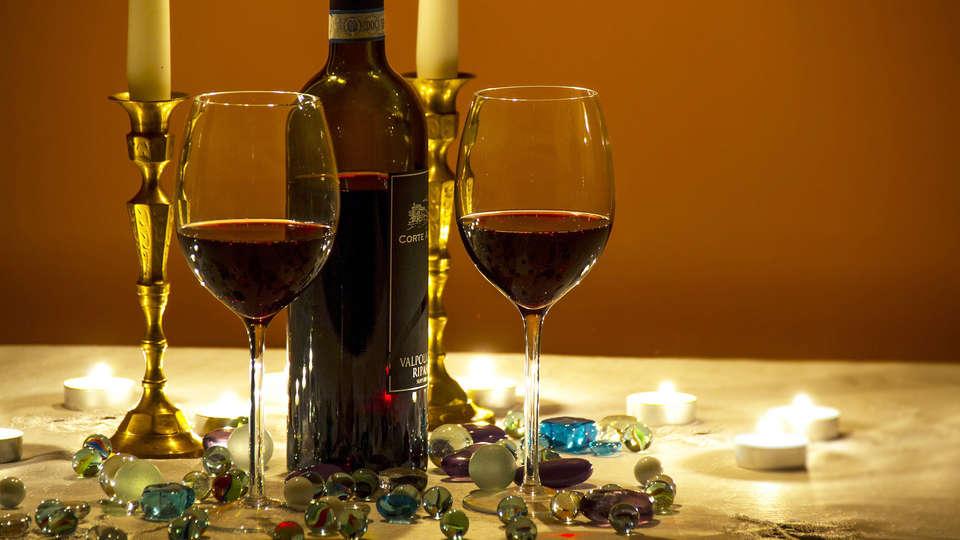 Hotel Duomo - EDIT_wine1.jpg