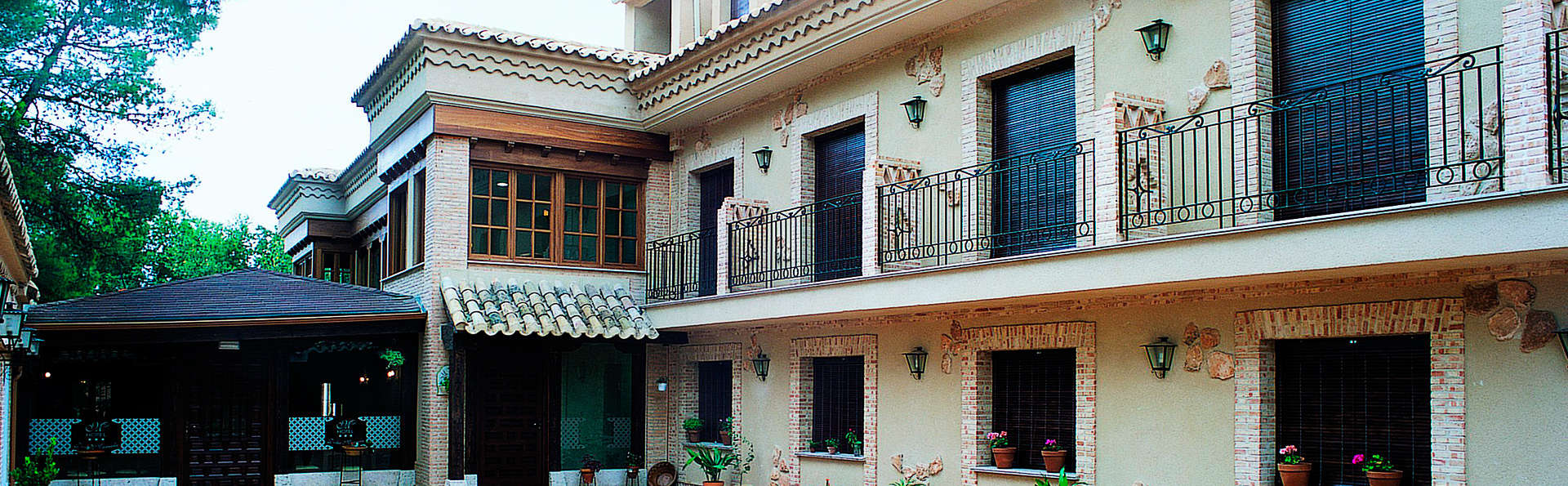 Hotel Doña Manuela - EDIT_front.jpg