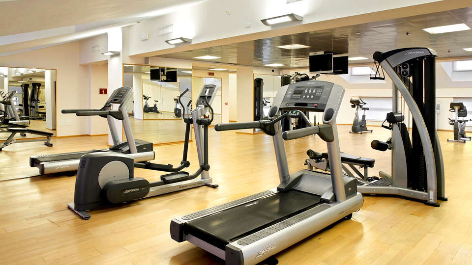 Golden Tulip Plaza Caserta - Edit_Gym3.jpg