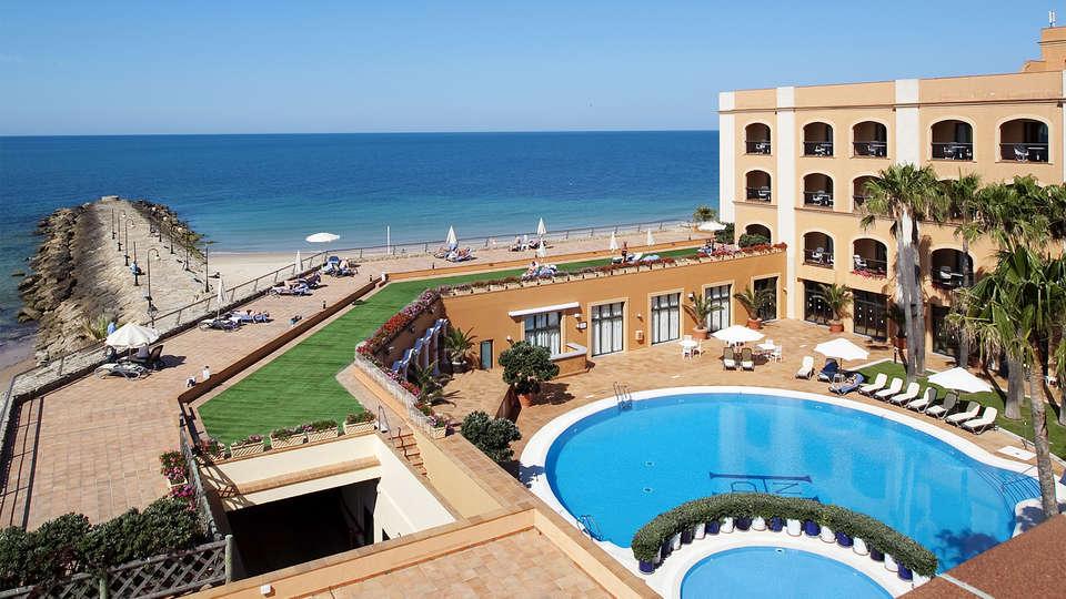 Hotel Duque de Nájera (inactive) - EDIT_pool2.jpg