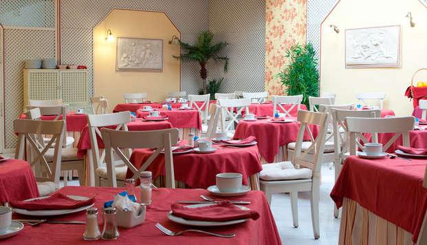 Hotel Dona Maria - breakfastroom