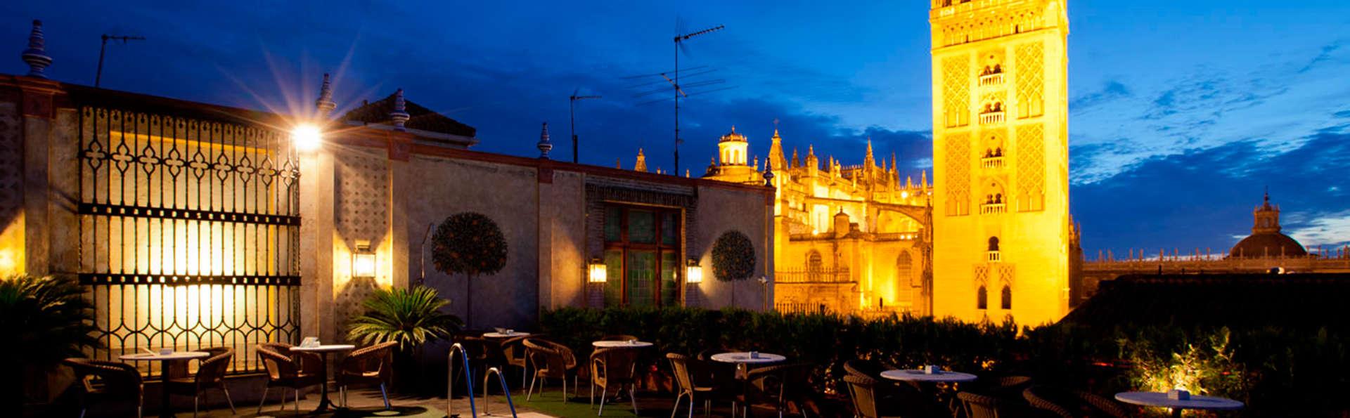 Escapada en Sevilla con botella de bienvenida a tan solo 50 metros de la Giralda