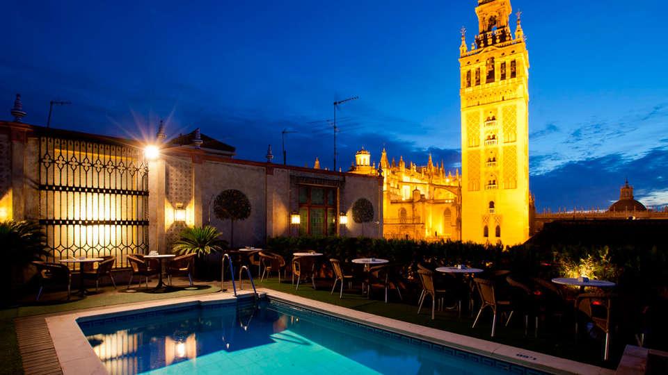 Hotel Doña María - EDIT_pool.jpg