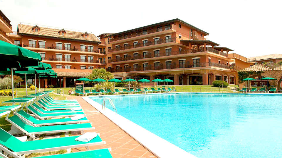 Golden Tulip Marina di Castello Resort - Edit_Pool3.jpg