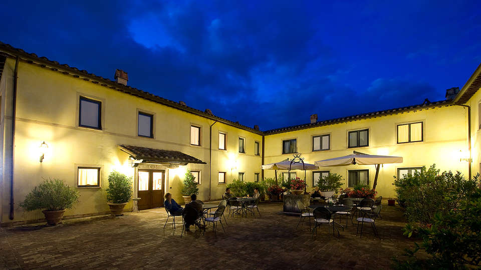 Relais Dell'Olmo - Edit_Front.jpg