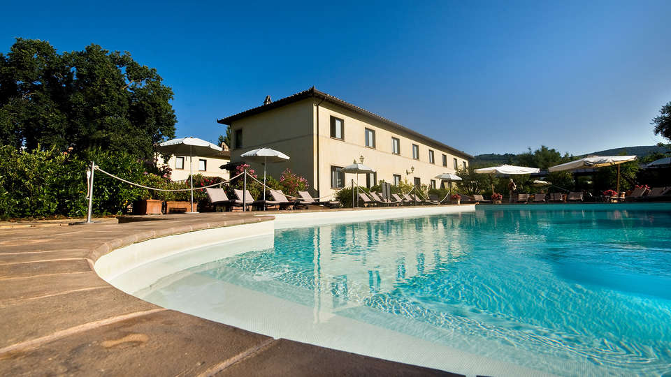 Relais Dell'Olmo - Edit_Pool.jpg